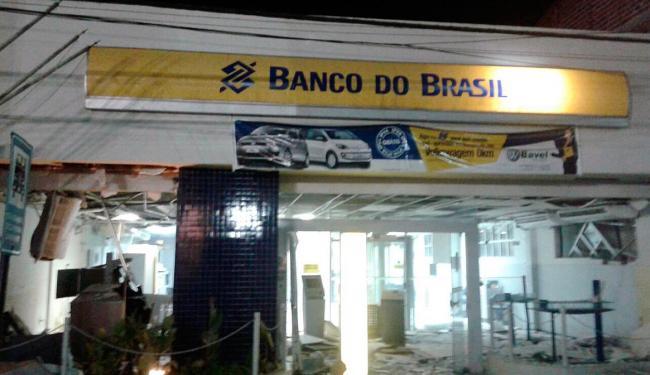Bandidos explodem agência bancária em São Sebastião do Passé - A Tarde On Line