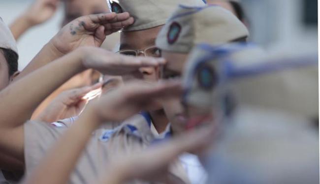 Serão disponibilizadas 2.047 vagas para os 12 colégios no estado - Foto: Raul Spinassé | Ag. A TARDE