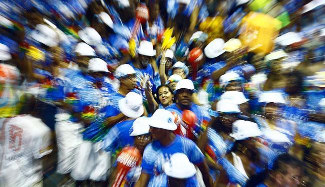 Bloco de samba surgiu há 40 anos para desfilar na sexta-feira antes da festa - Foto: Fernando Vivas   Ag. A TARDE