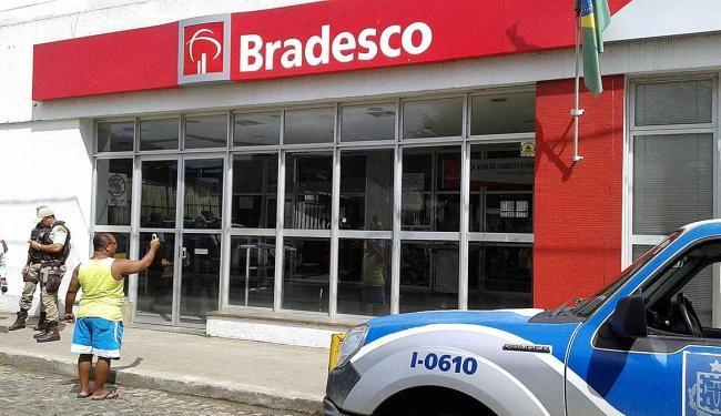 A polícia ainda não sabe o valor levado pelos bandidos - Foto: Oziel Aragão | Plantão Itabuna