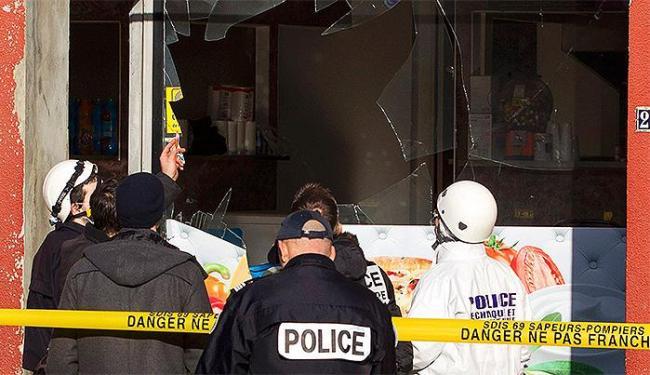Polícia confirma que atentado a revista e morte de policial estão ligados - Foto: Emmanuel Foudrot l Reuters