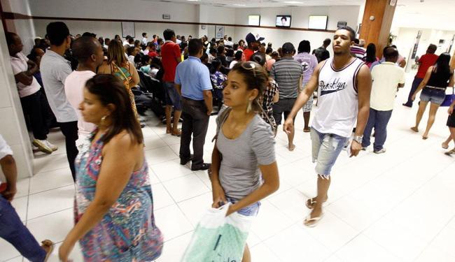 Quem procurou o SAC do Shopping Bela Vista nesta semana enfrentou filas - Foto: Luciano da Matta | Ag. A TARDE