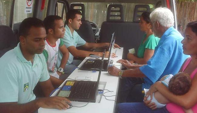 Unidade móvel atende moradores do bairro de Periperi e regiões do entorno nesta quarta-feira, 14 - Foto: MIRIAM HERMES  Ag. A TARDE