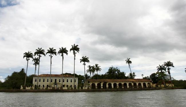 Uma ilha, um casarão, muitos fantasmas - A Tarde On Line