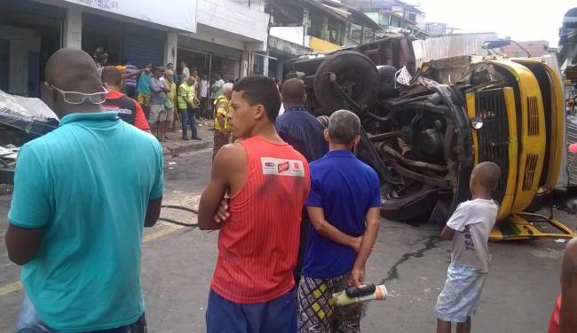 Uma loja ficou danificada no acidente - Foto: Fernando Freitas | Cidadão-Repórter