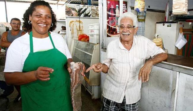 Carlos Almeida, 74, teve que modificar os hábitos alimentares após ser diagnosticado com gastrite - Foto: Luciano da Matta | Ag. A TARDE