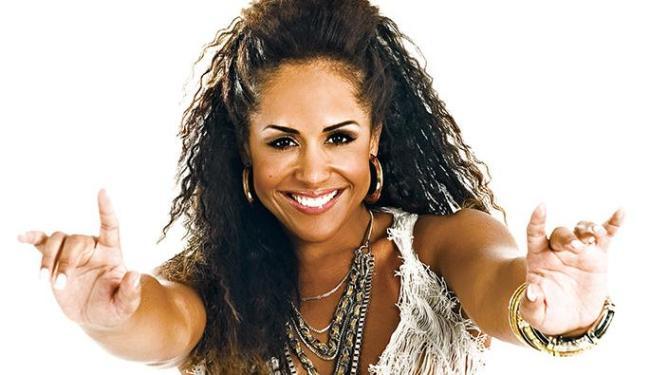 Carla Cristina fez sucesso no grupo As Meninas. Este ano, vai agitar na sexta de carnaval - Foto: Divulgação