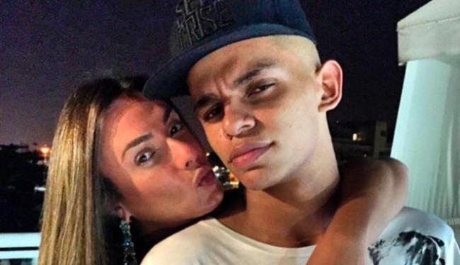 Parceria entre Nicole e MC Maneirinho resultará no funk
