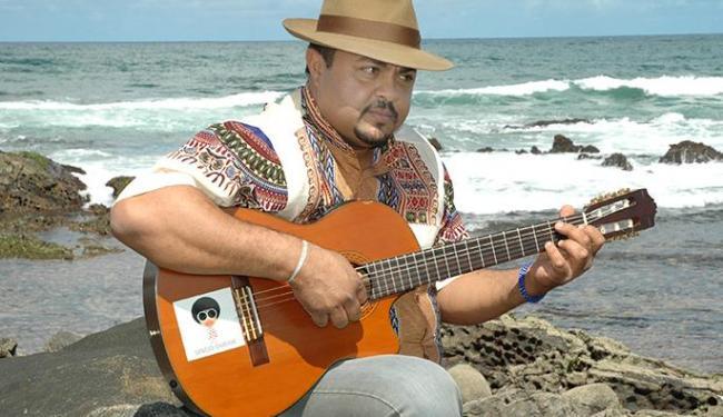 Cantor irá tocar sambas famosos de sua carreira - Foto: Claudionor Júnior / Divulgação