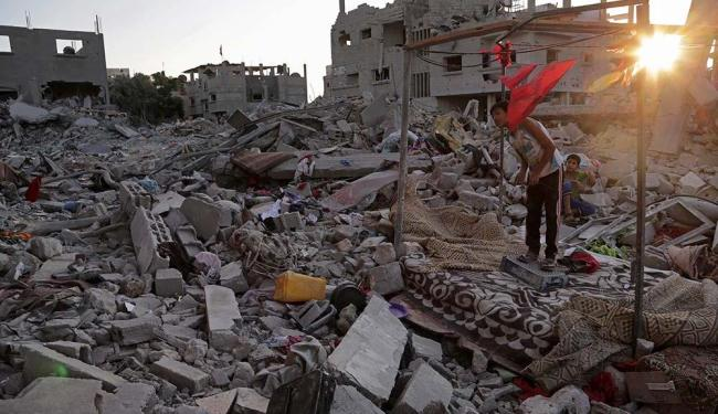 Arrasada por bombardeios de Israel no ano passado, Gaza tem chance de alegria com futebol - Foto: AP Photo | Adel Hana