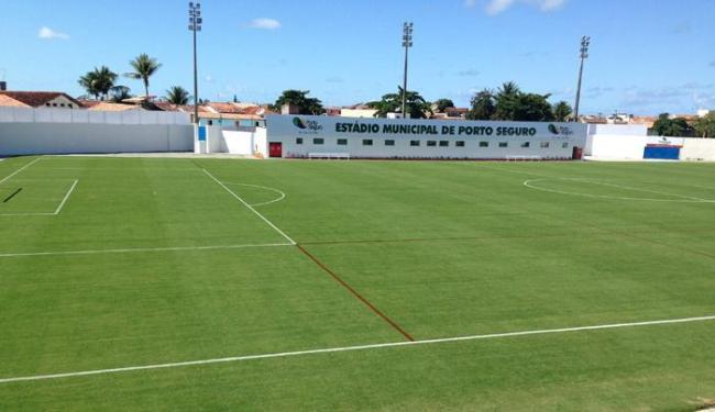 Porto Seguro tem um belo gramado, mas precisa de alambrados e tribunas no estádio - Foto: Divulgação | Secopa