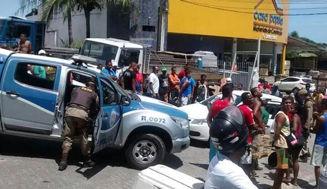 O local ficou tumultuado após o crime e a chegada da polícia - Foto: Reprodução   WhatsApp