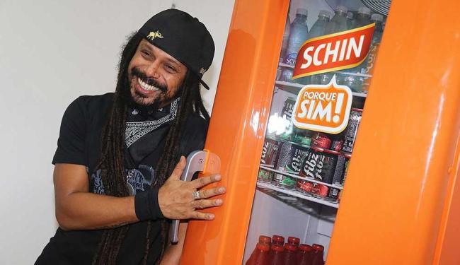 O cantor Falcão, do Rappa, volta a fazer participação no camarote este ano - Foto: Cleomir Tavares | Ag. A TARDE