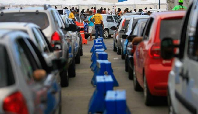 Veículos esperam cerca de 1h20, já os pedestres 30 min - Foto: Joa Souza | Ag. A TARDE