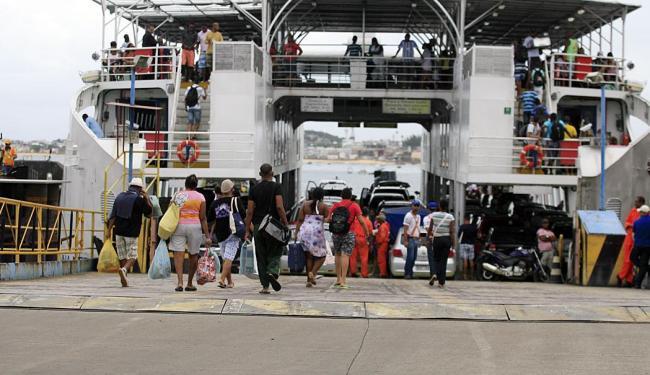 Ferries funcionarão por 24 horas entre o domingo, 4 e a segunda, 5 - Foto: Joá Souza | Ag. A TARDE