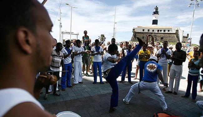 Jovens participaram de rodas de capoeira - Foto: Raul Spinassé | Ag. A TARDE
