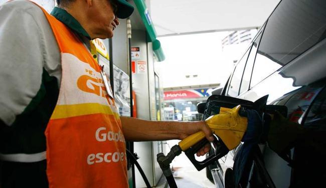 Aumento da Gasolina vai favorecer consumo do etanol - Foto: Joá Souza   Ag. A TARDE
