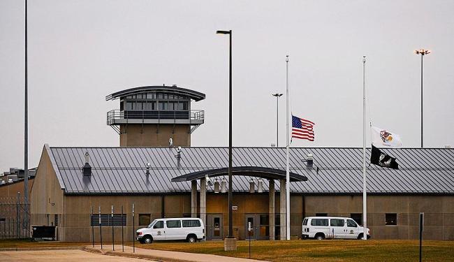 Base americana é um dos 'calos' que atritam relações entre os países - Foto: Tannen Maury | Efe | Arquivo A TARDE