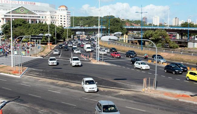 Motoristas ainda se acostumam com as mudanças - Foto: Edilson LIma   Ag. A TARDE
