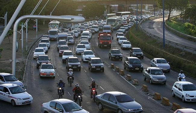 Alterações buscam tornar o fluxo de veículos mais ágil na região do Iguatemi - Foto: Joa Souza   Ag. A TARDE