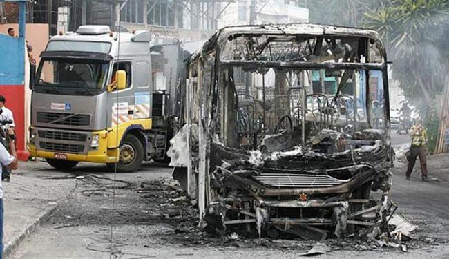 Policiamento foi reforçado após ataques a ônibus na manhã desta sexta-feira, 23 - Foto: Luciano da Matta | Ag. A TARDE