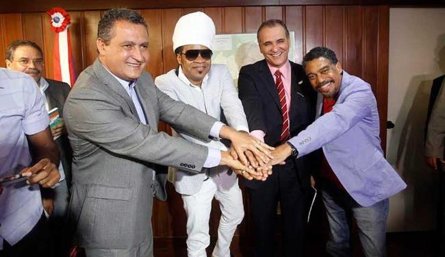 Carlinhos Brown aproveitou para agradecer o apoio do Governo aos seus projetos culturais - Foto: Manu Dias | GOVBA