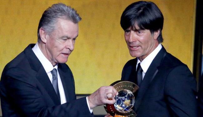 Tetracampeão com a Alemanha, Joachim Low (D) foi eleito o melhor técnico - Foto: Ruben Sprich | Ag. Reuters