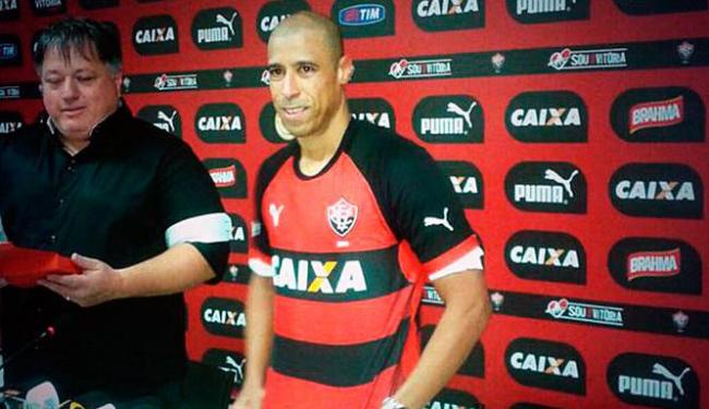 Apresentação do jogador aconteceu no Barradão - Foto: Divulgação | E.C.Vitória
