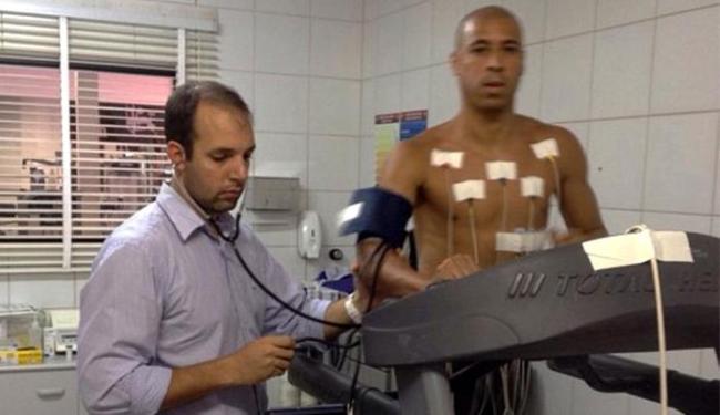 Meia foi aprovado nos exames médicos realizados na Toca do Leão - Foto: Divulgação l E.C. Vitória