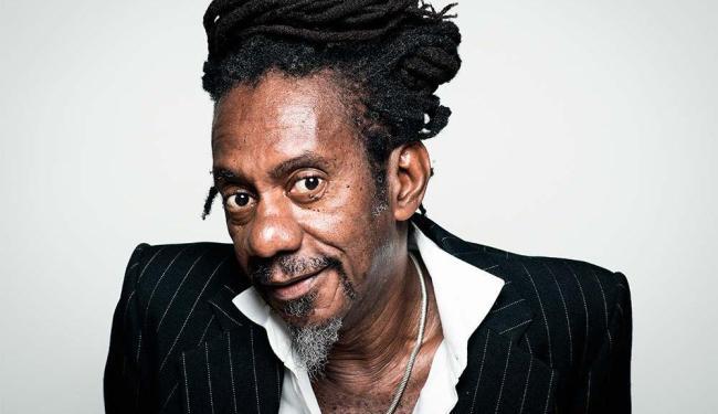 Luiz apresenta no repertório músicas inéditas, além de sucessos de seus mais de 40 anos de carreira - Foto: Divulgação