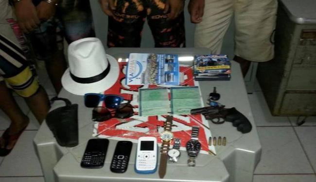 Pertences dos hospedes foram encontrados em mala do veículo roubado - Foto: Reprodução | Facebook