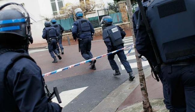 Polícia francesa invadiu o mercado de produtos judaicos - Foto: Youssef Boudlal | Agência Reuters