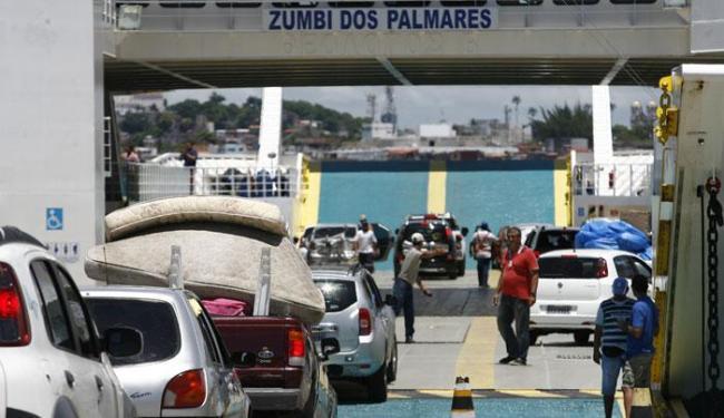 Fluxo de veículos é intenso no Terminal Bom Despacho - Foto: Marco Aurélio Martins | Ag. A TARDE