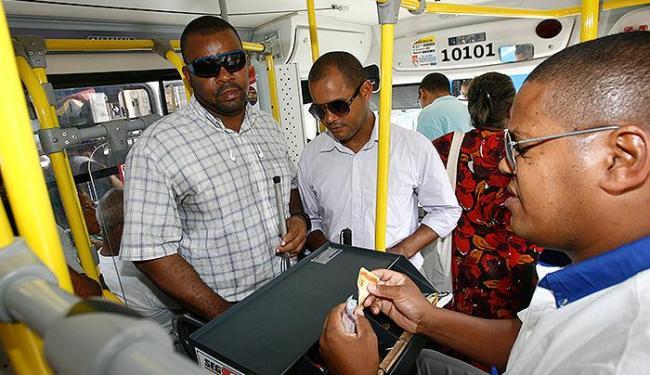 Nery e vice da associação foram barrados em ônibus - Foto: Fernando Amorim | Ag. A TARDE