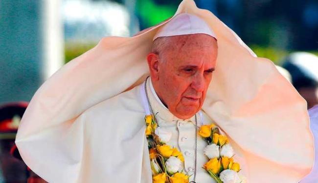 A visita ao templo foi um dos eventos adicionados de última hora à agenda do papa - Foto: Agência Reuters