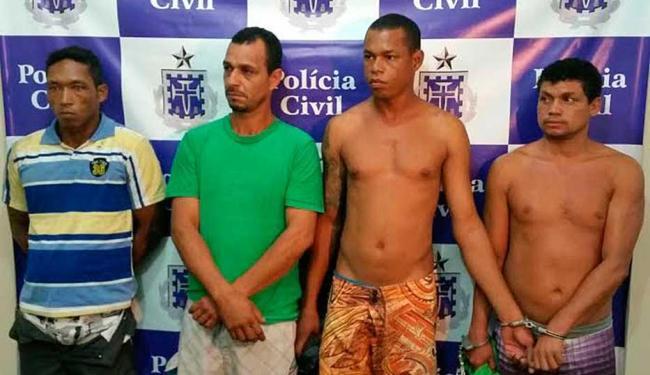 Quarteto foi autuado em flagrante por porte de arma e formação de bando armado - Foto: Divulgação   Polícia Civil