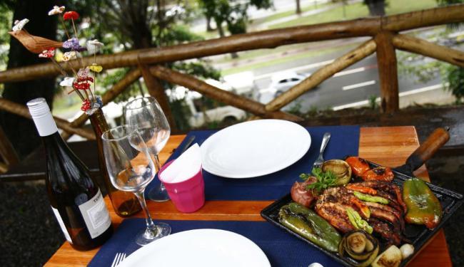 O restaurante Platô está instalado no alto de um barranco - Foto: Fernando Vivas | Ag. A TARDE