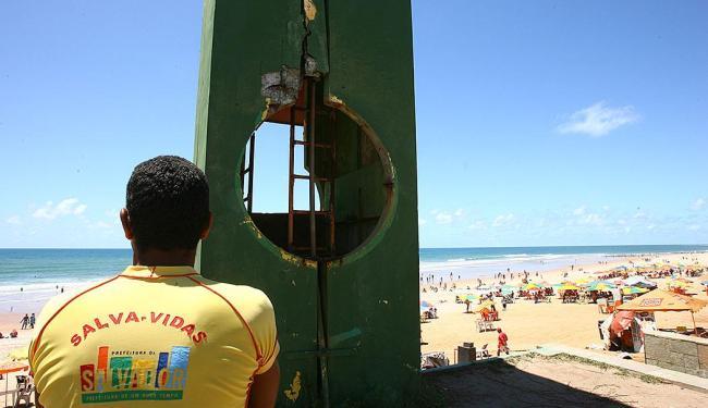 Banho na praia do Corsário deve ser evitado na região em frente ao Posto Salva-Vidas - Foto: Fernando Amorim   Ag. A TARDE