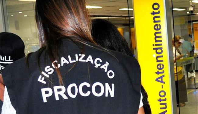 Operação foi realizada após denúncias de consumidores - Foto: Joriel Correia | Procon-BA