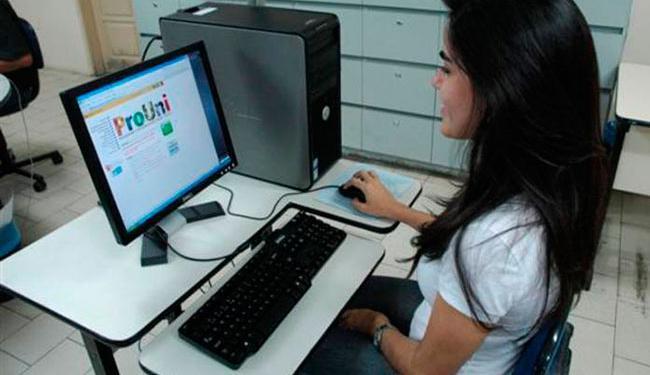Estudantes devem acessar o site do ProUni para fazer a inscrição - Foto: Divulgação