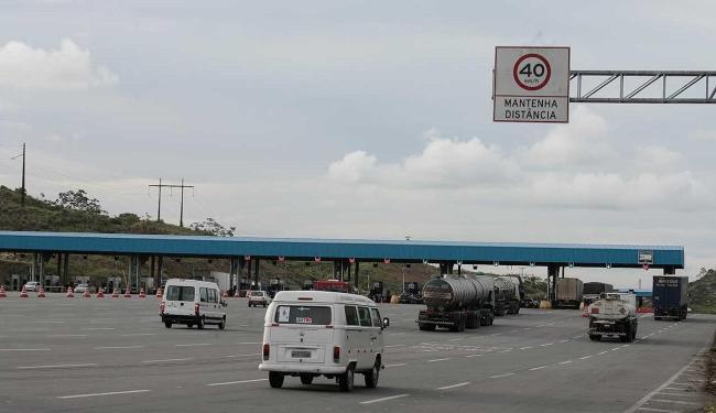 Tráfego flui normalmente nas estradas - Foto: Mila Cordeiro   Ag. A TARDE