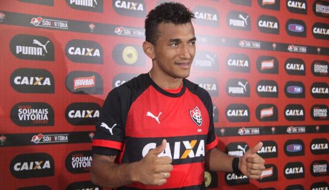 Anunciado em dezembro, Rogério só foi apresentado quinta, 8 - Foto: Francisco Galvão | Divulgação Vitória