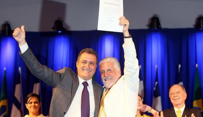 Jaques Wagner participa da transmissão do cargo para Rui Costa - Foto: Manu Dias | GovBA