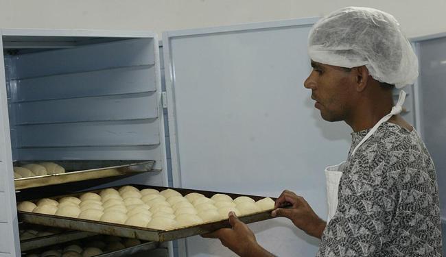Função de forneiro de padaria está entre as vagas disponíveis para esta sexta-feira, 30 - Foto: Luiz Tito | Ag. A TARDE