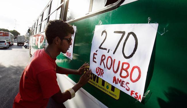 População realizou protestos nesta quinta contra o aumento - Foto: Luiz Tito | Ag. A TARDE