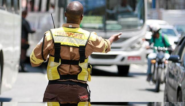 Tráfego na avenida Dorival Caymmi terá mudanças a partir desta quinta - Foto: Joá Souza | Ag. A TARDE