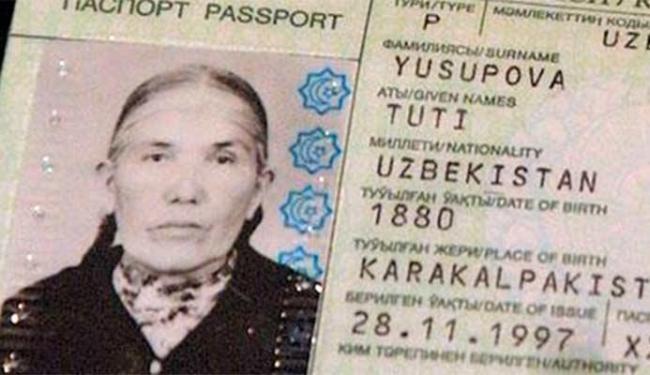 Passaporte de Tuti Yusupova mostra que ela tem 134 anos - Foto: Cihan News Agency | Atif Ala | Ag. Reuters