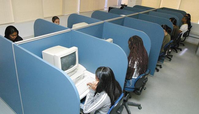 Área de telemarketing oferta 500 vagas - Foto: Fernando Vivas | Ag. A TARDE