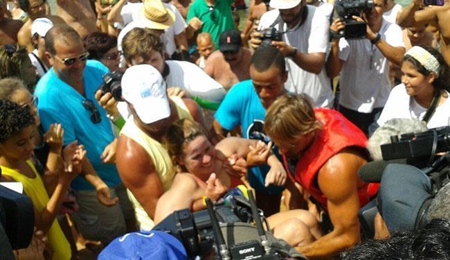 Verônica foi ovacionada ao chegar no Porto da Barra - Foto: Divulgação | Chris Midlej