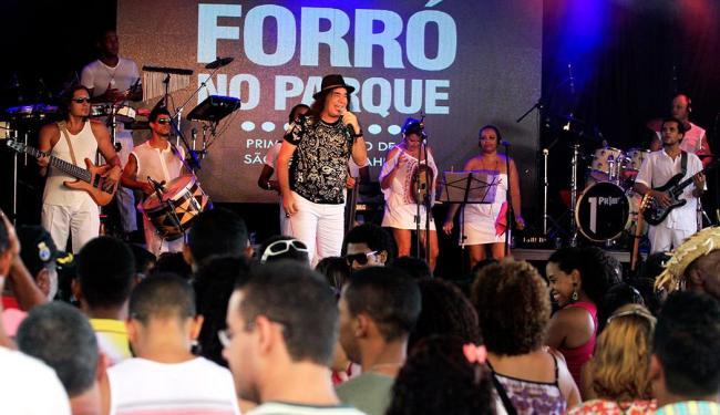 Forrozeiro apresentou sucessos e recebeu convidados na estreia - Foto: Elói Corrêa | GovBA